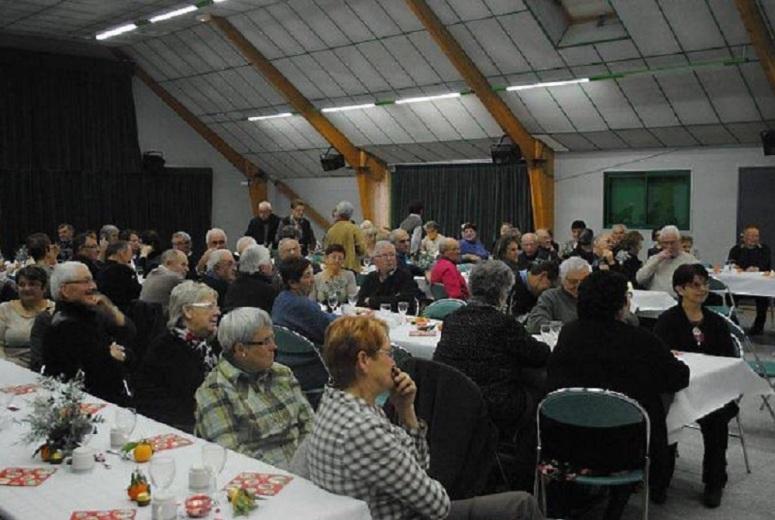Près de cent adhérents étaient présents mardi après-midi salle du Vieux-Moulin.