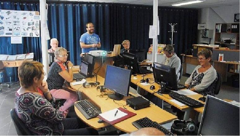 Fabien Lanoë, animateur informatique de Lamballe communauté, a animé sa première séance le vendredi 3.